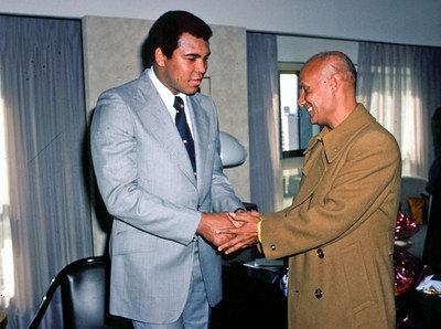 Muhammad-Ali-Sri-Chinmoy-01-30-1979_34-b