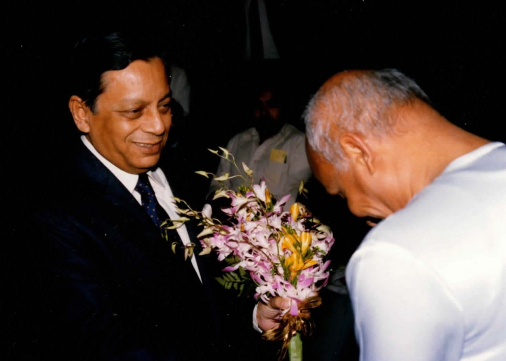 1986-11-nov-04-pres-unga-Humayun-rasheed-choudhury-photos_Page_03