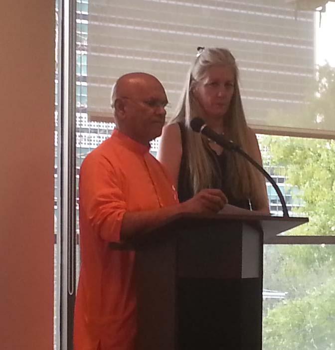2014-10-21_10-5-Swami-Parameshananda-cathy-towle